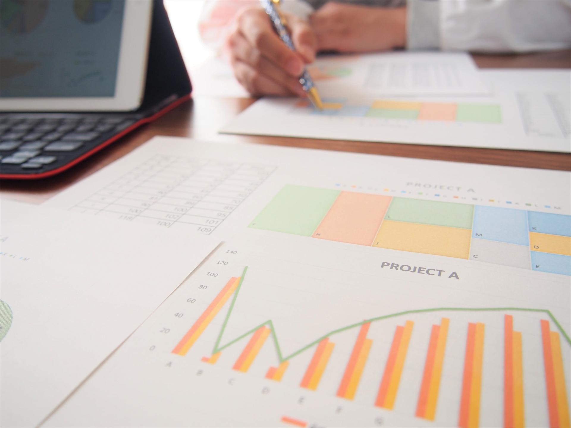 営業で管理すべきデータとは?営業管理をするメリットと方法 | Senses Lab. | アイキャッチ画像