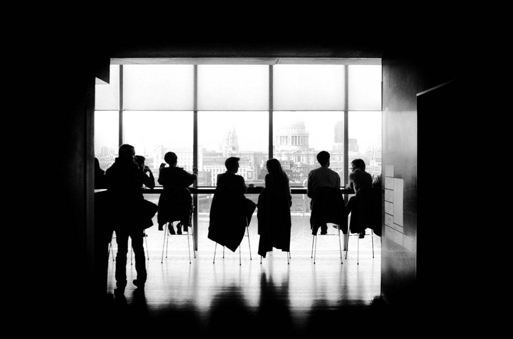 成果主義の功罪10個|成果主義の功罪を考慮した上での留意点3つ