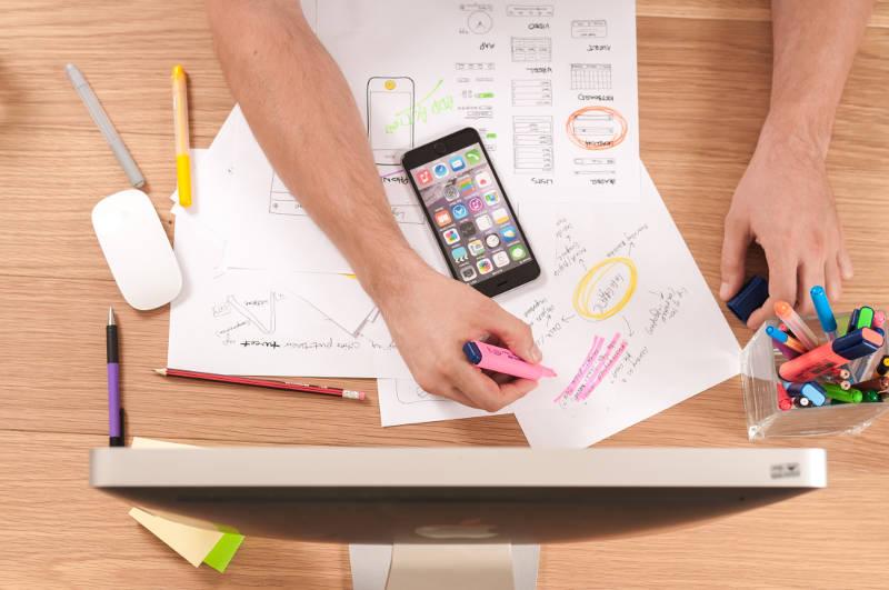 営業の顧客・取引先管理をする3つの方法|管理方法を選ぶ際のポイントとは? | Senses Lab. | 1
