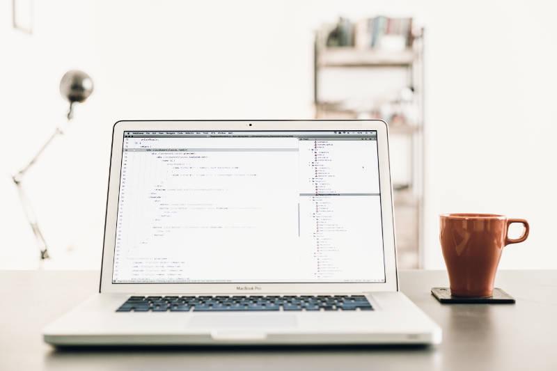 名刺管理ツールとCRM(顧客管理)の違い | 導入目的・メリットを比較 | Senses Lab. | 2