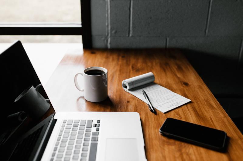 仕事の効率が良い人が実践している7つの方法とコツ | 効率が悪い人との違い | Senses Lab. | 2