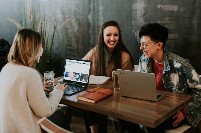 営業会議を効率化!営業会議の役割、効率的な進め方と議題例を紹介 | Senses Lab. | 3