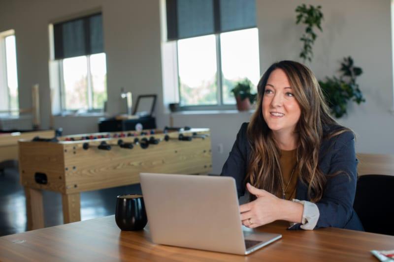 営業職に向く人・向かない人の違いとは?|営業職に必要な要素7つ| Senses Lab.|1