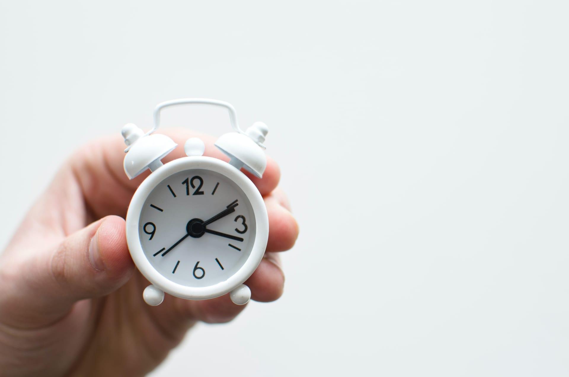 訪問営業・テレアポに最適な時間帯とは?時間の見極めが成功率アップのカギ|Senses Lab. | 7